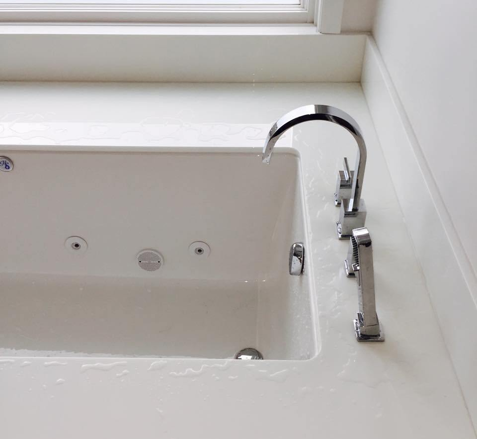 detroit plumbers bathroom tub install |